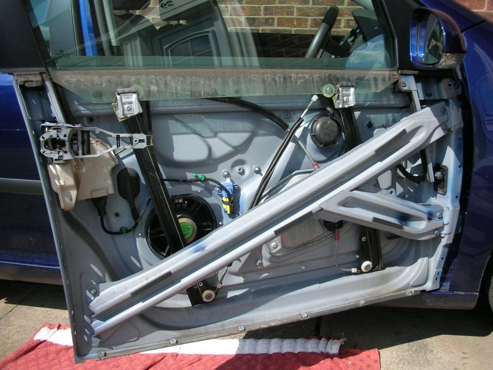 Stuart Dalby 2005 Volkswagen Golf Mk 5 Driver S Door